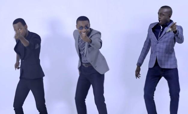"""Umuririmvyi  """"Irakoze Hope """"   yasohoye video idasanzwe """" Tabia mbaya (OFFICIAL VIDEO 2014)"""
