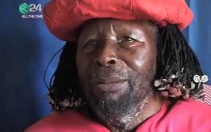 Ntibisanzwe : Hadutse Umugabo aba muri Kenya yiyita ko ari Imana, Afise abagore 5 hamwe n'abana barenga 400 ( Ino Video uyiravye iratangaje ! )