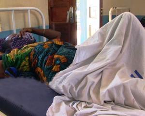 Muri Tanzania umugabo yakase igitsina c'umugore wiwe kugira akidadanze i Milioni 5 k'umupfumu !