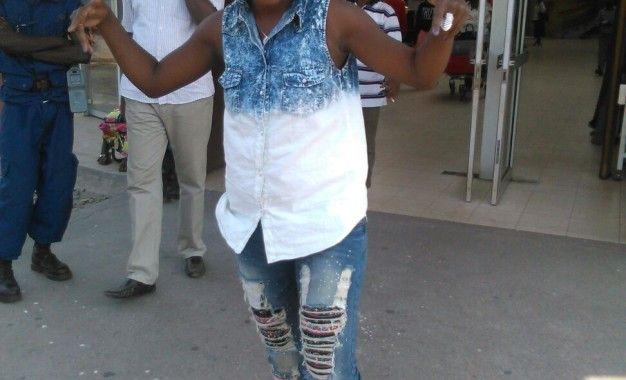 Natacha Ngendabanka yarafashe indege yerekeza muri Tanzania ku munsi wa Gatanu.